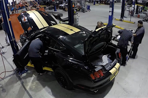 Video: Time Lapse Of Building A 2016 Ford Shelby GT-H