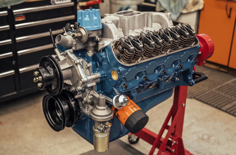 Video: Time-Lapse Rebuild Of The Venerable Small-Block Ford